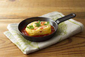 信州パプリカとチーズのオムレツ