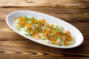 北海道産いくらと真鯛のカルパッチョ